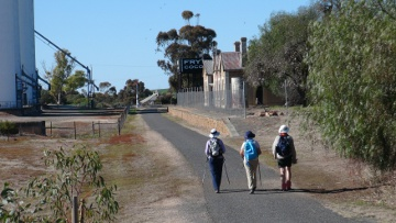 NSW Walkers at Eudunda Railway Station