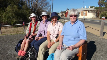 NSW Walkers point to new trail at Eudunda